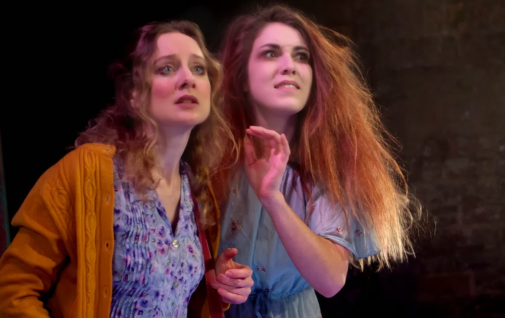 Rebecca Moon and Cassandra McCowan in Ruddigore
