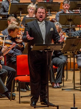 Burkhard Fritz in CBSO concert Parsifal