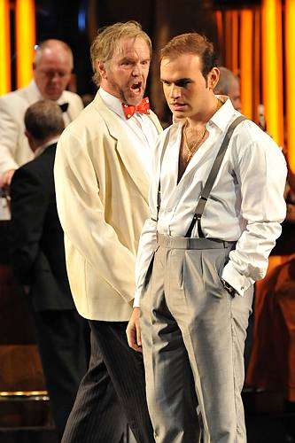 Michael Fabiano and Anthony Michaels-Moore in ENO Rigoletto