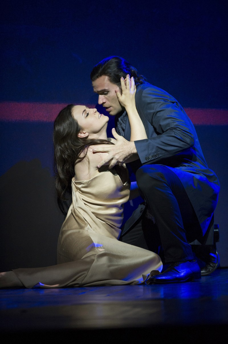 Gimadieva and Fabiano in Glyndebourne Traviata