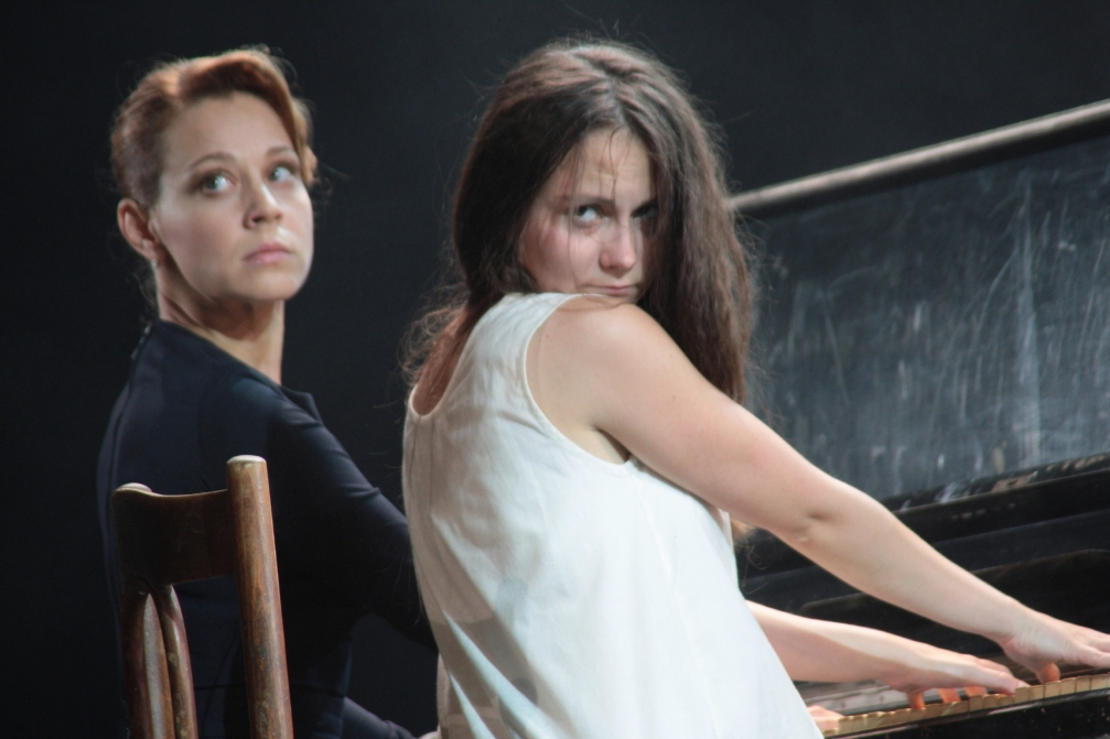 Anna Dubrovskaya and Maria Berdinskikh in the Vakhtangov Uncle Vanya