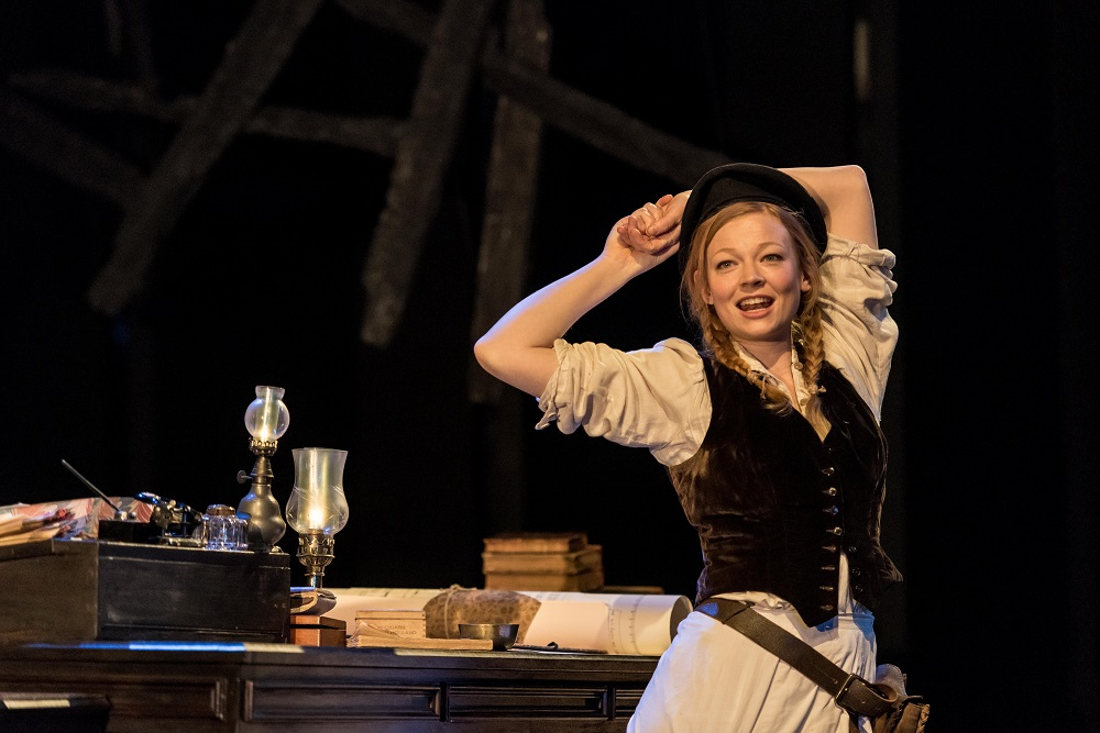 Sarah Snook in the Old Vic Master Builder