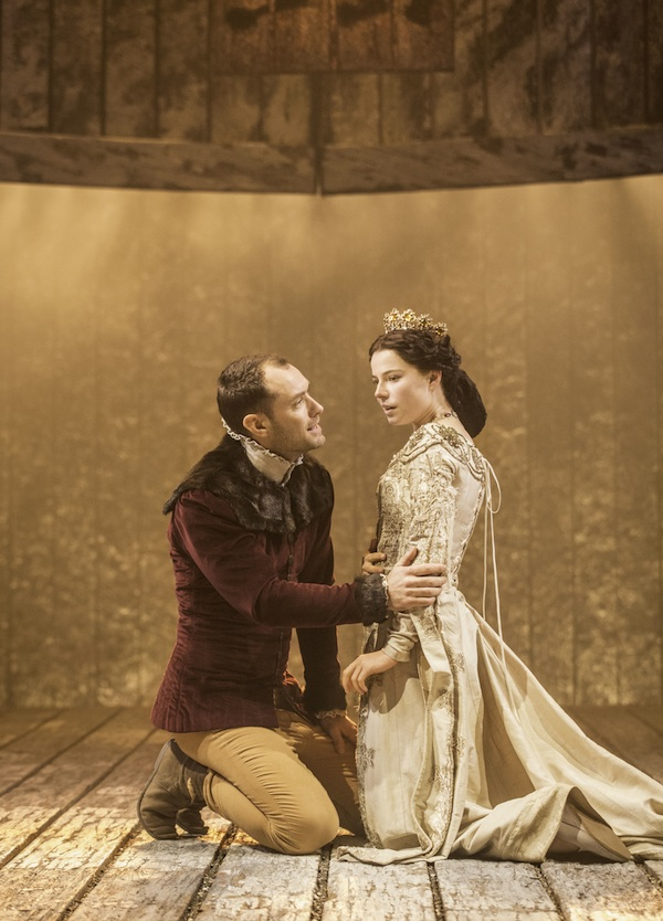 Jude Law (Henry V) with Jessie Buckley (Katharine)