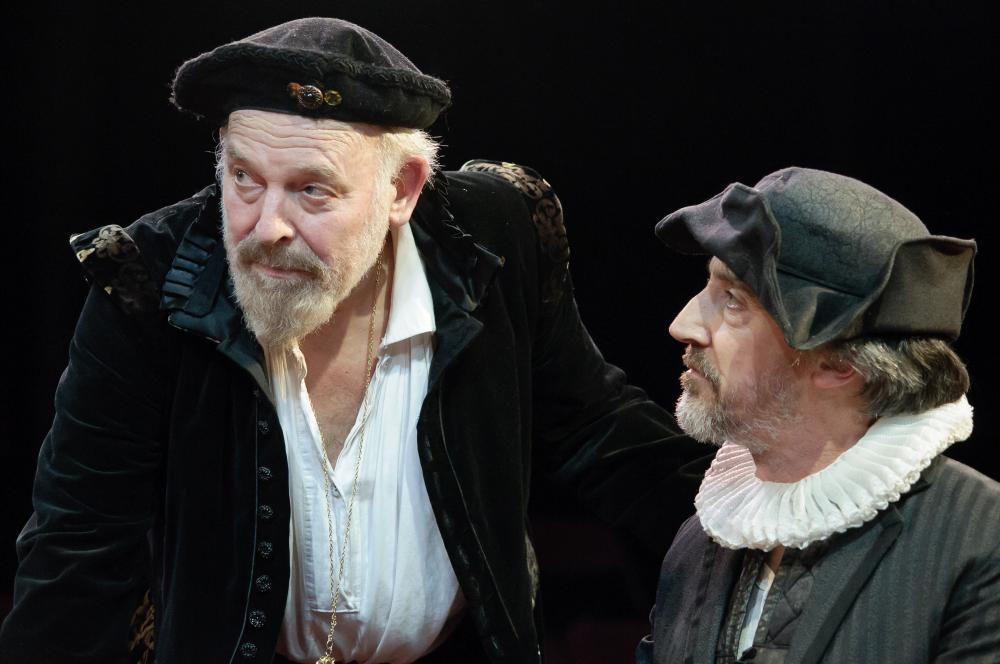 John Shrapnel as Lear and Christopher Bianchi as the Fool