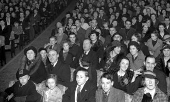 A-1940s-cinema-audience-001