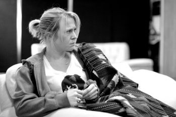 Kellie_Bright_Liz_in_rehearsals_for_Crawling_in_the_Dark_at_the_Almeida_Theatre._Photo_credit_Ludovic_des_Cognets