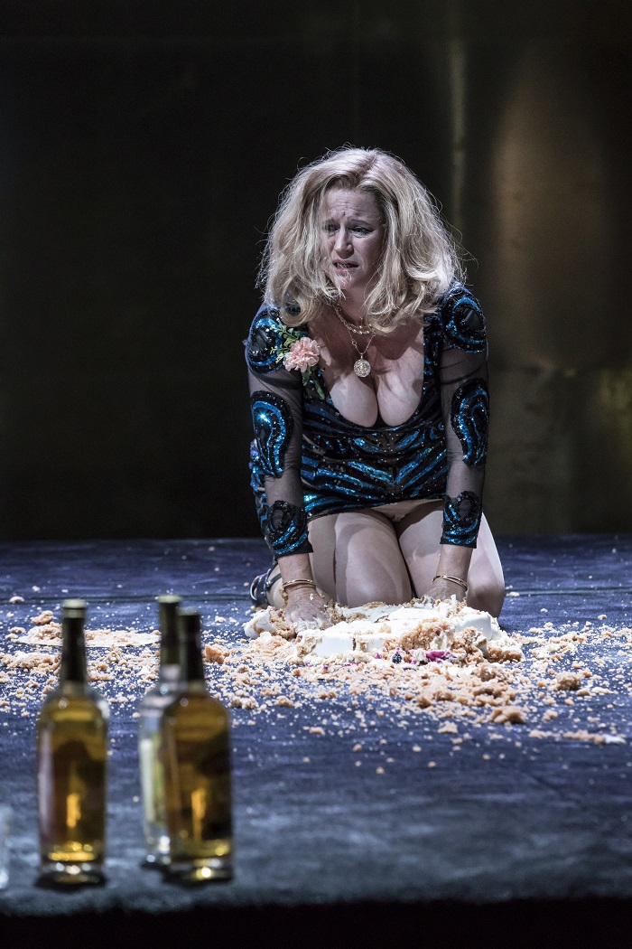 Lisa Palfrey in Cat on a Hot Tin Roof