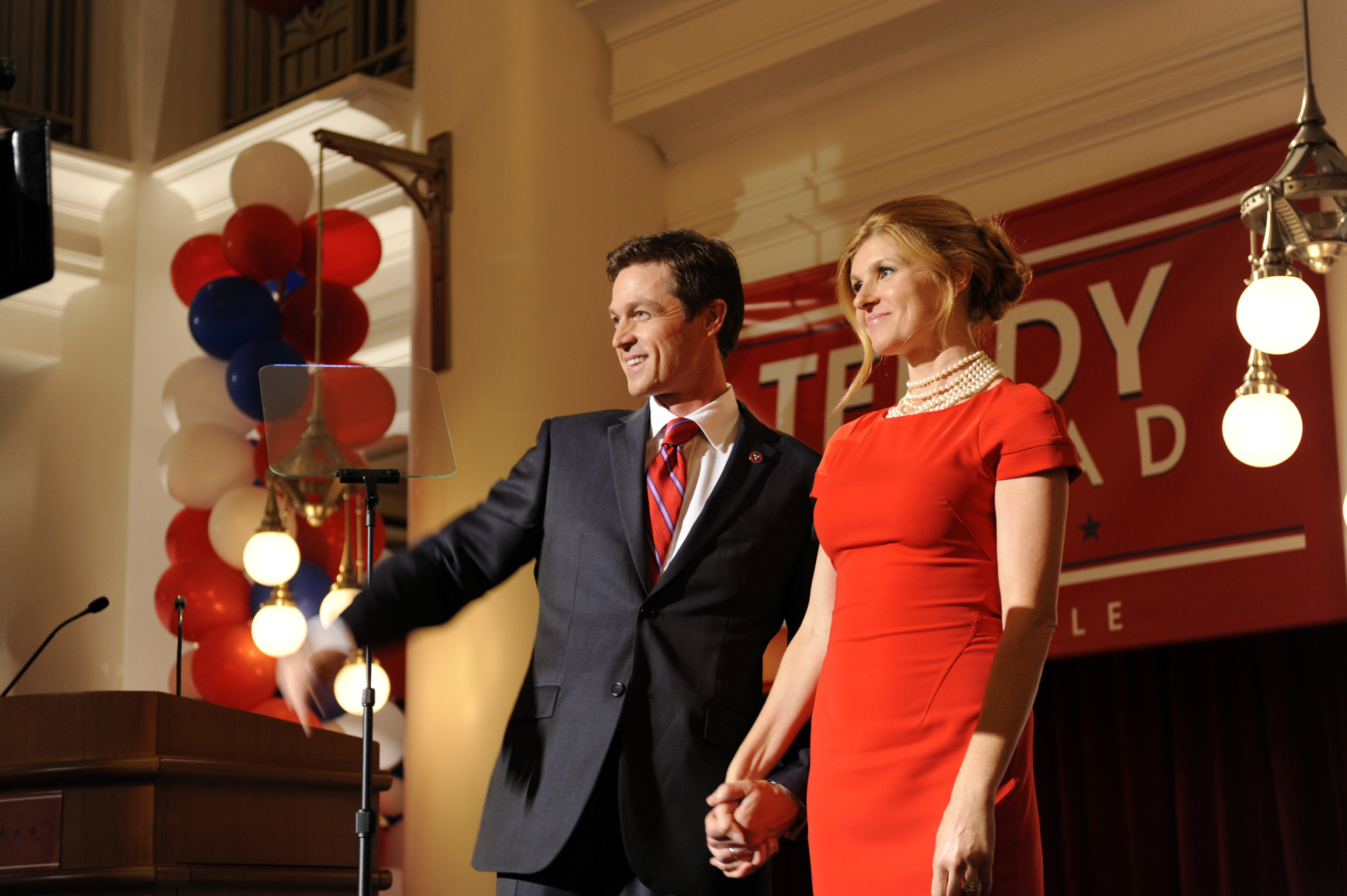 Eric Close and Connie Britton in Nashville